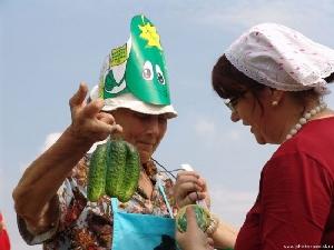 Độc đáo lễ hội dưa chuột ở Nga