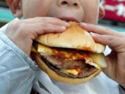 Trẻ dùng đồ ăn nhanh có nhiều nguy cơ bị hen suyễn