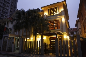 """Ngắm nhà """"đập bốn lần"""" của Hồ Quỳnh Hương"""
