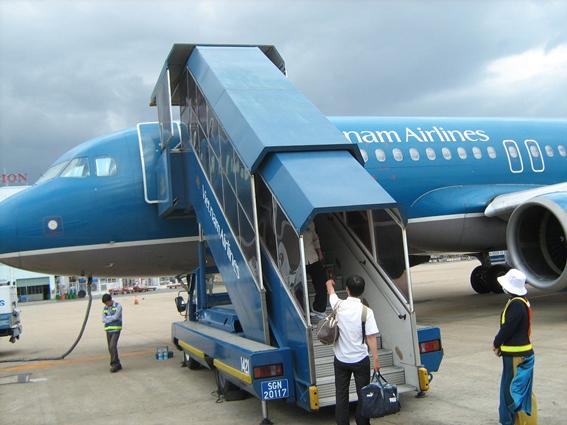 Vé bay rẻ, giá tour giảm mạnh