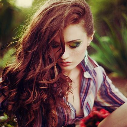 Không khó để có mái tóc bóng khỏe vào mùa Thu
